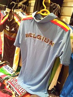 ベルギーナショナルカラーのポロシャツ
