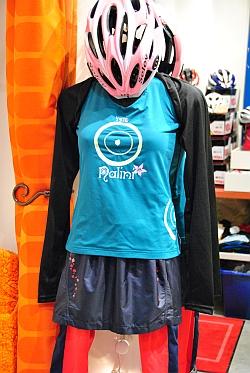 女性 サイクルジャージ コーディネート